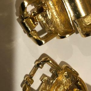 GIVENCY/SWARVOSKI Jewelry - HEAVY GOLD NECKLESS. & MATCHING SWAROVSKI EARRINGS
